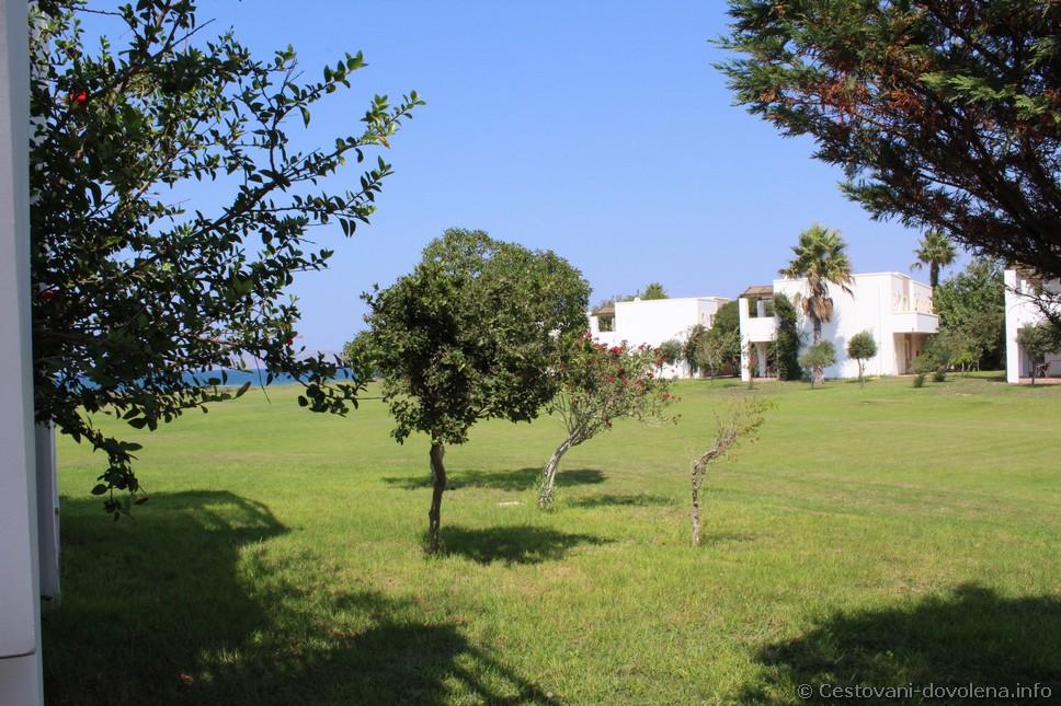 Gaia Royal - výhled na moře z hlavní terasy