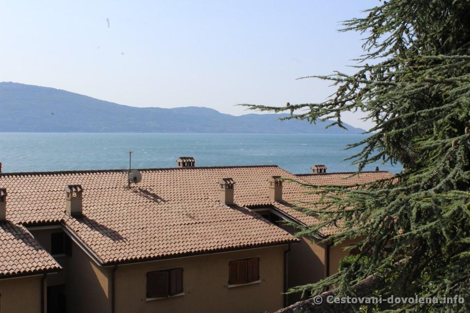 Hotel Meandro -výhled na Lago di Garda